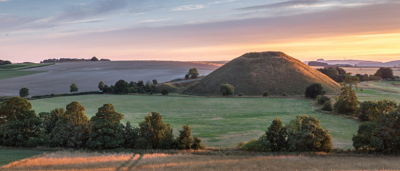 Visit ancient Silbury Hill and Avebury Stone Circle nearby (2/6)